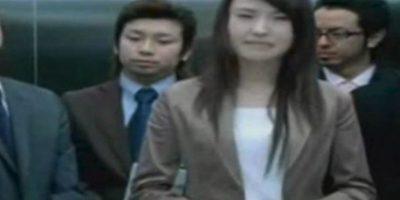 El ascensor simplemente cierra sus puertas y decapita a su desafortunada víctima. Y esto pasó en 2003, con el doctor Hitoshi Nokaido. El elevador le cortó la cabeza a la altura de su boca, dejando solo la mandíbula y la oreja izquierda unida a su cuerpo. Una enfermera atrapada con él tuvo que ver su cabeza empapada en sangre. Los ascensores matan a 30 personas al año. Foto:Wikimedia