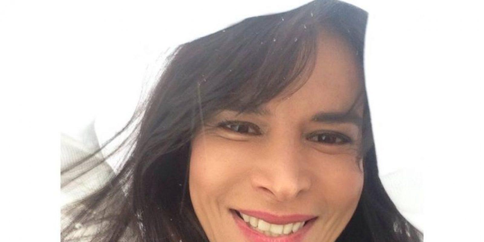 En esta biografía, Velásquez relata que buscó un patrocinador al que le pagaba con sexo para que cubriera los gastos de sus cirugías. Foto:Facebook/Patricia Velásquez