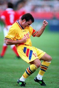 Jugó los Mundiales de Itala 1990, Estados Unidos 1994 y Francia 1998 Foto:Getty Images