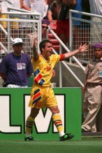 El exfutbolista rumano cumplió 50 años Foto:Getty Images