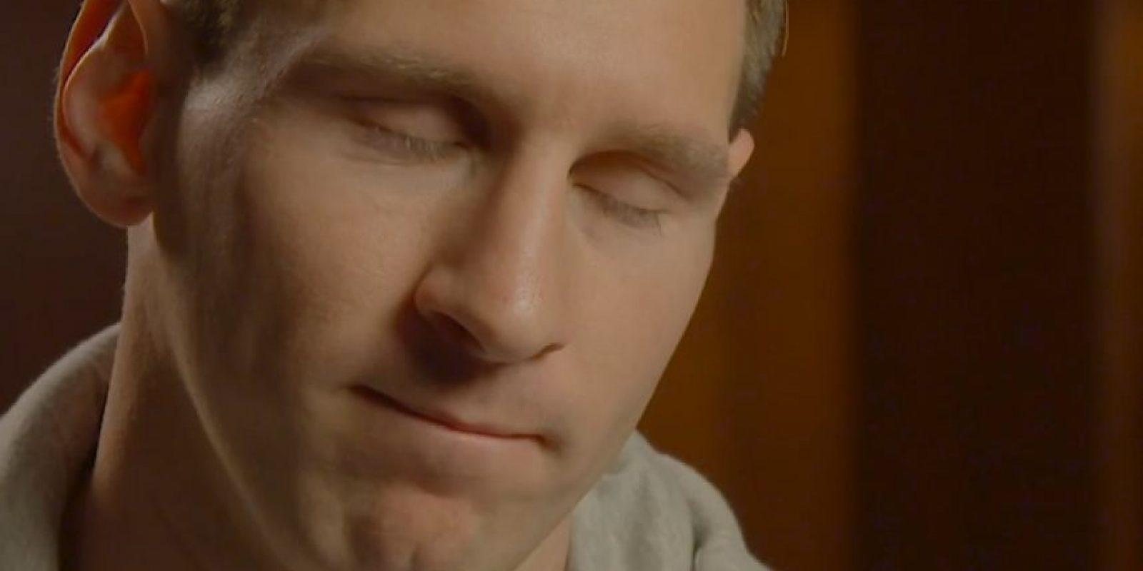 Estuvo al bordo de las lágrimas Foto:Youtube: FIFA