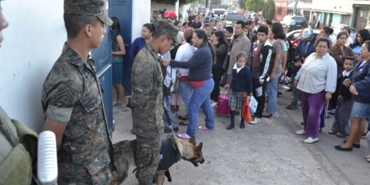 Jornada en las escuelas de Villa Nueva incluye a 500 soldados