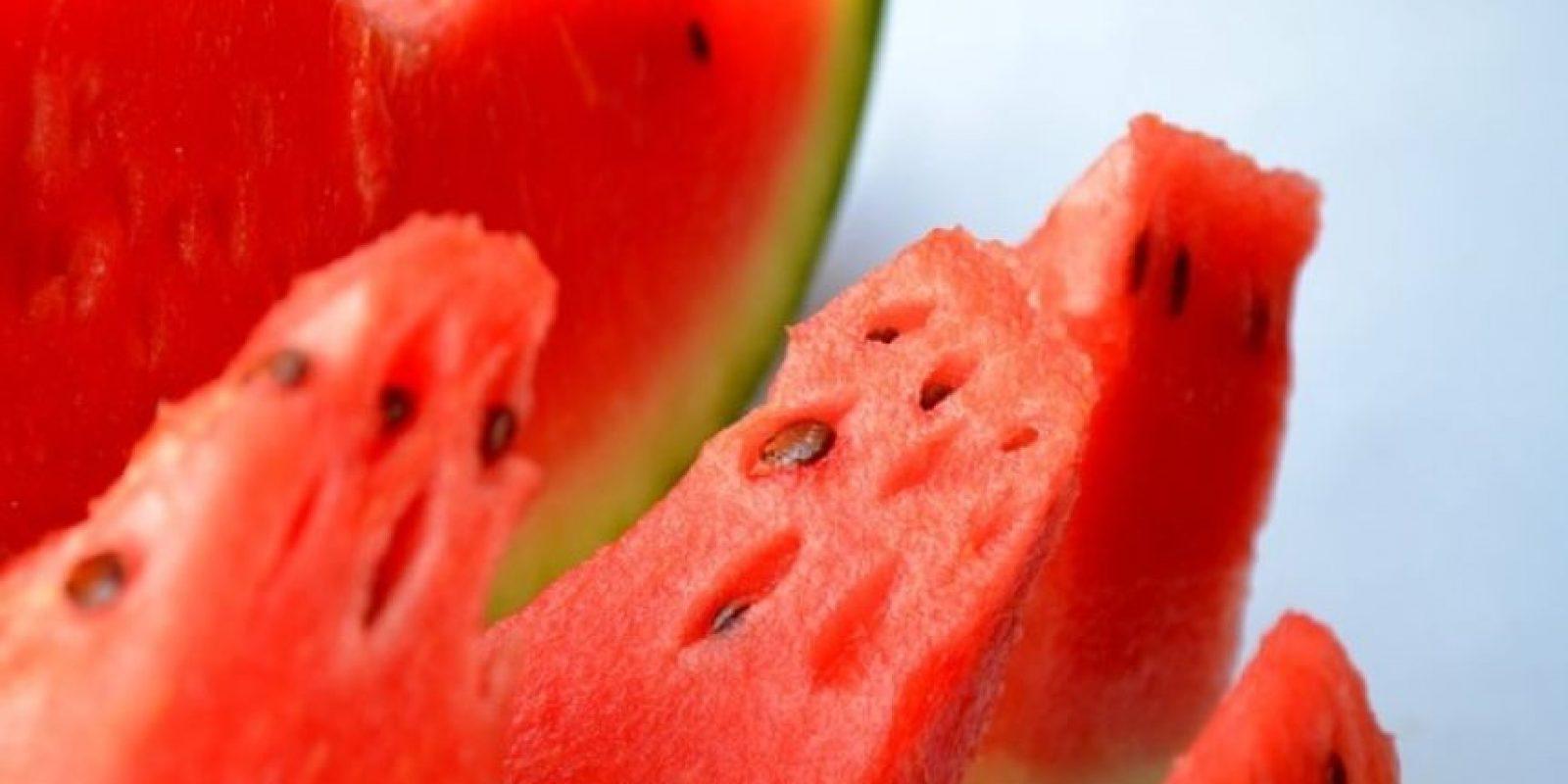3. Científicos de Texas, Estados Unidos han demostrado que comer sandía puede tener efectos similares a los del viagra. Foto:Pixabay