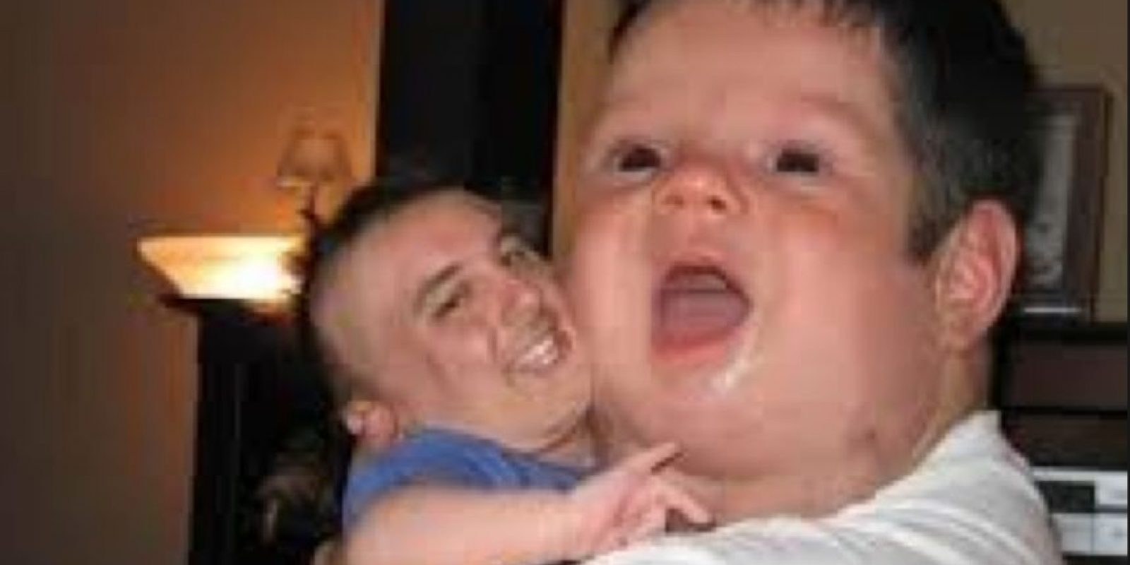 Papi e hijito. Foto:Imgur