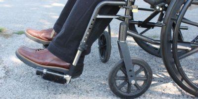 Club Rotario Ciudad continúa entrega de sillas de ruedas