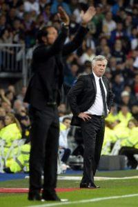 Los técnicos Carlo Ancelotti y Diego Simeone volverán a verse las caras en el derbi madrileño. Foto:AFP