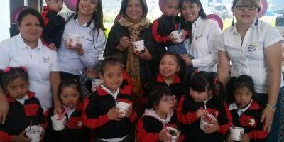 FOTOS. Niños con Síndrome de Down celebran el Día Internacional del Frozen Yogurt