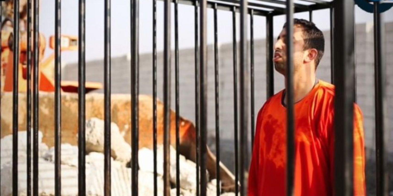 3 de febrero: Estado Islámico quema vivo al piloto jordano Muad al-Kasasbeh Foto:Twitter