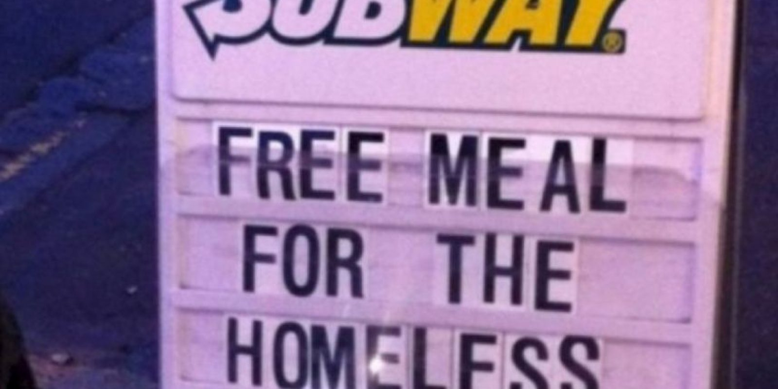 Subway alimenta a algunas personas sin hogar. Foto:Tumblr