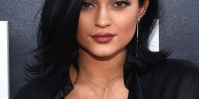 ¡Otra vez! Kylie Jenner cambia de look y publica foto con