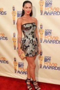 Megan Fox: Bracidactilia. Ésta es una malformación genética que causa dedos con tamaño desproporcionado tanto en las manos como en los pies. Foto:Getty Images