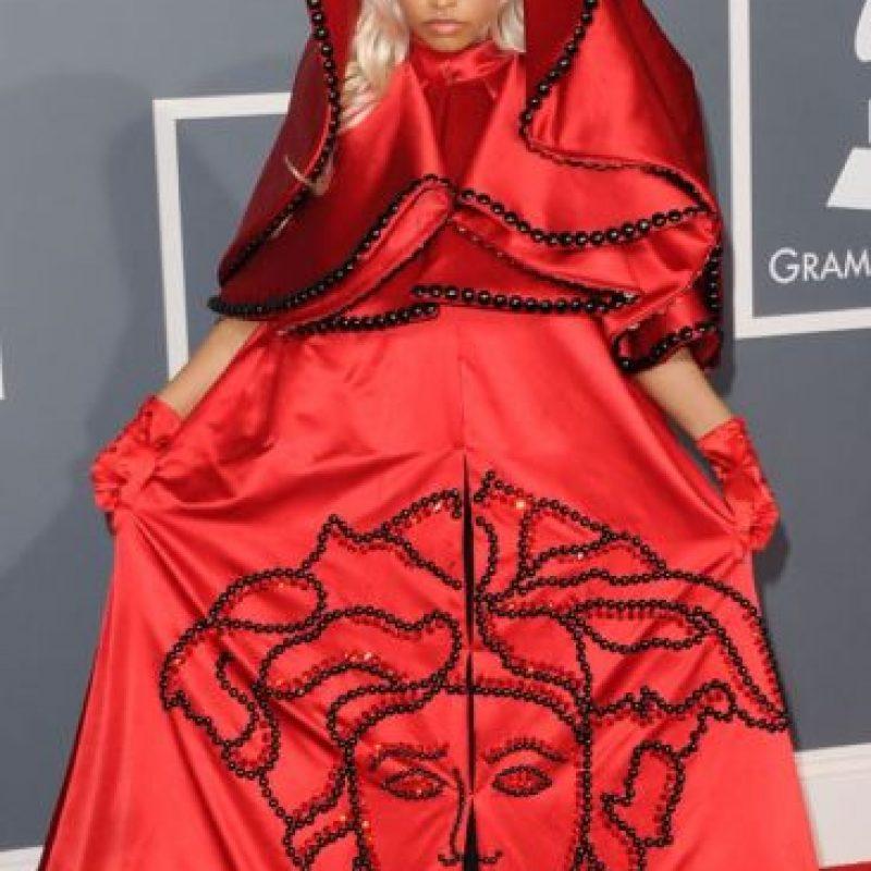 """Nicki Minaj y su look """"Caperucita Roja Drag"""" en los Grammy de 2012 Foto:Getty Images"""