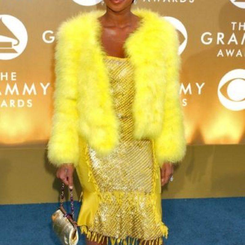 Mary J. Blige mató a Piolín y se fue así a los Grammy de 2004. Foto:Getty Images
