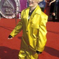 """El que fue ídolo (inconfesable) de muchas a comienzo de milenio, Aaron Carter. Acá con el traje de """"La Máscara"""" en 1999. Foto:Getty Images"""