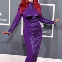 Kate Pierson, mostrando por qué un traje ideado por tí no puede ser peor. Foto:Getty Images