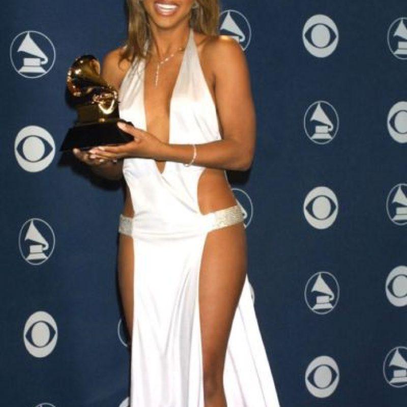 Toni Braxton en 2001, recordándonos por qué el cambio de milenio fue una época maldita para la moda. Foto:Getty Images