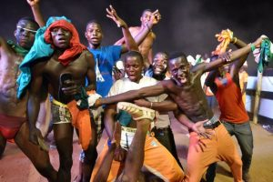 Los marfileños se impusieron en la tanda de penaltis para quedarse con la corona. Foto:AFP