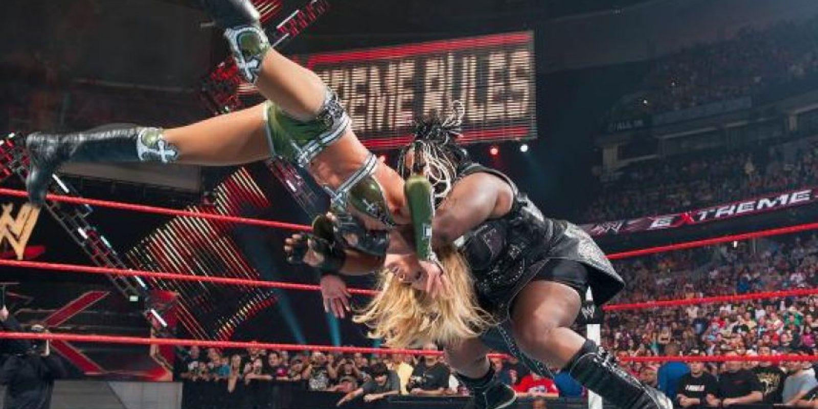 Impactó con su fuerza física Foto:WWE