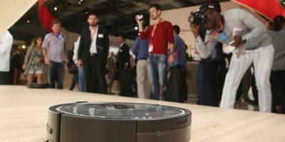 El aparato circula por la casa en búsqueda de polvo Foto:Getty Images