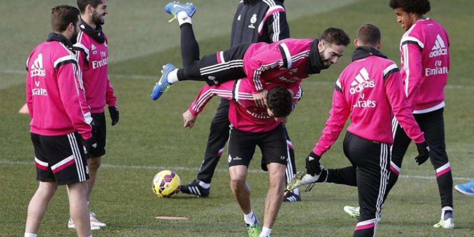 En el seno del Madrid el entorno es delicado luego de la derrota 0-4 contra el Atlético. Foto:AFP y EFE