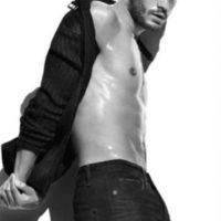 """5.- Christian Grey (o Jamie Dornan) puede """"encender a una mujer"""" con solo mirarla Foto:Calvin Klein"""