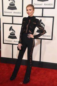 A Giuliana Rancic ya la comparan con un patinador artístico por su atuendo. Foto:Getty Images