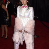 Charli XCX, luciendo como un Conejito de Pascua Barato. Foto:Getty Images