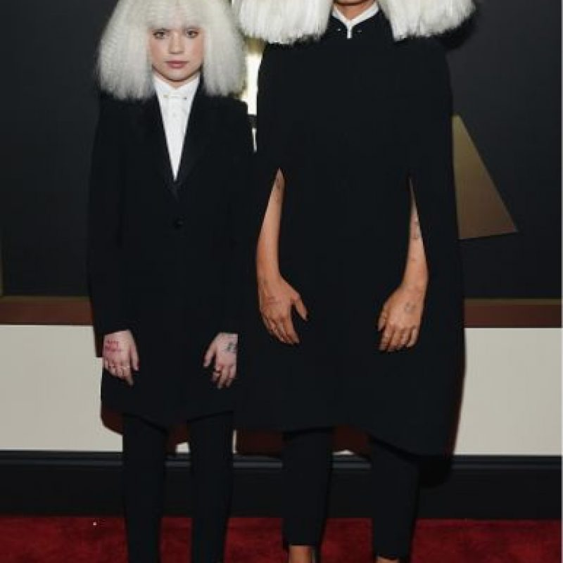 Sia y Maddie Ziegler, recordándonos que el Tío Cosa puede ir a los Grammy Foto:Getty Images