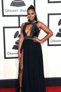 Ashanti, en un vestido absolutamente vulgar. Foto:Getty Images
