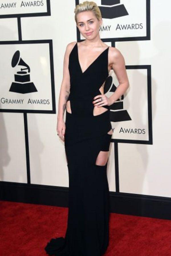 Miley Cyrus, sencilla y con cutouts limpios. Foto:Getty Images