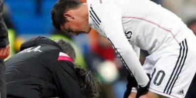 James se fracturó el quinto metatarsiano del pie derecho en el encuentro de Liga ante el Sevilla. Foto:twitter.com/realmadrid