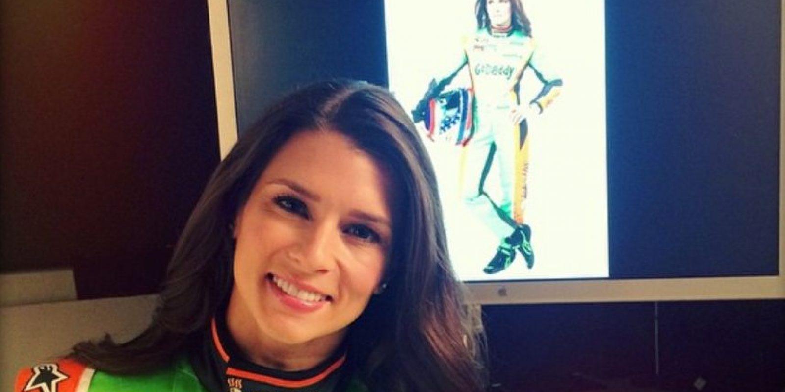 La piloto de carreras estadounidense se quitó el traje de carreras Foto:Instagram: @danicapatrick