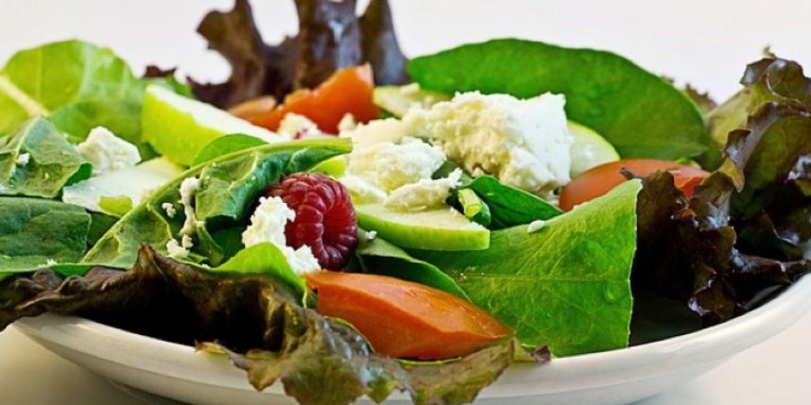 Fuentes de grasas primarias incluyen el aceite de oliva, pescado y cereales no refinados. Foto:Pixabay
