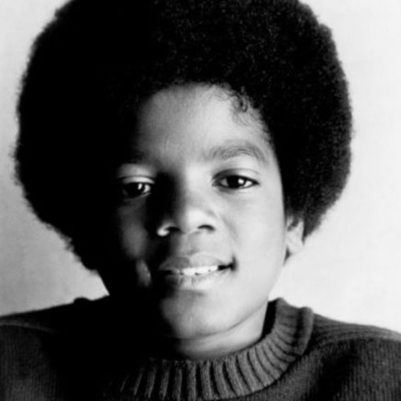 """El """"rey del pop"""" dejó de parecerse a sí mismo no solo por la cirugía plástica Foto:Wikipedia.org"""