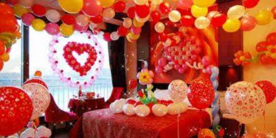 Deben gustarle mucho los globos Foto:Asumelol