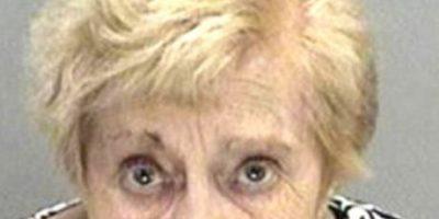 Abuela detenida por robar fragancia para