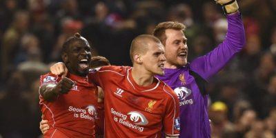 El Liverpool y el Arsenal dan un paso al frente en la Liga Premier