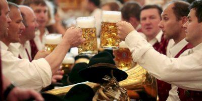Drunkorexia: Personas que cambian alimentos por bebidas alcohólicas