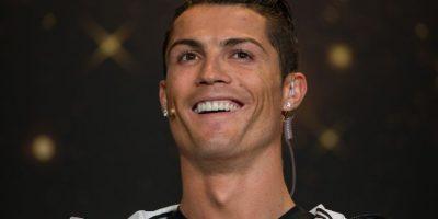 Según diversos medios, CR7 se operó la nariz y los dientes cuando militaba en el Manchester United inglés. Foto:Getty Images