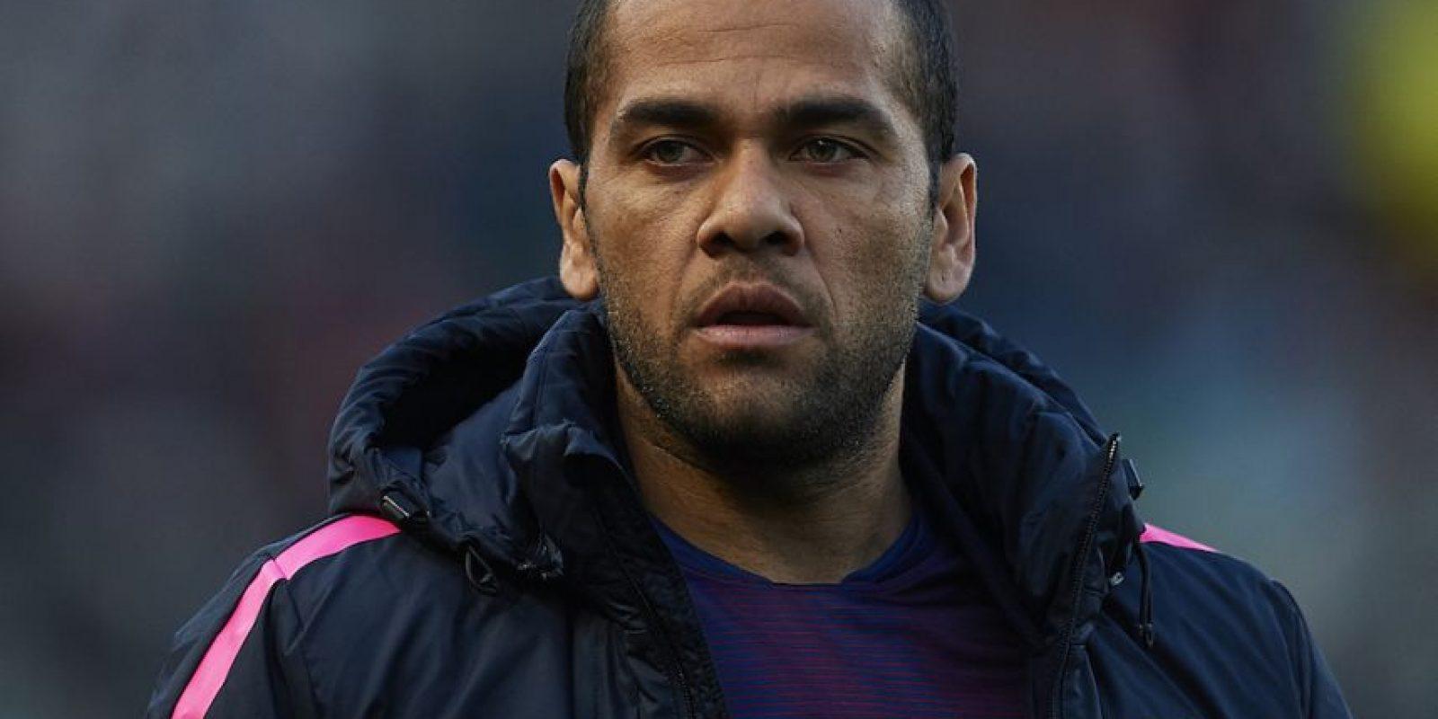En 2009, Alves decidió pegar un poco más a su cabeza sus apéndices auditivos con la finalidad de no lucir unas orejas de gran tamaño. Foto:Getty Images
