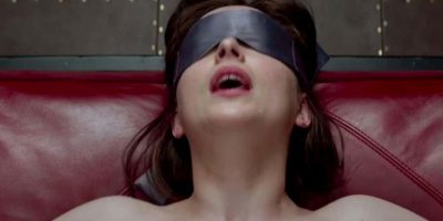 -Ahora voy a follarla, señorita Steele –murmura colocando la punta de su miembro erecto delante de mi sexo-. Duro –susurra-. Foto:Universal Pictures