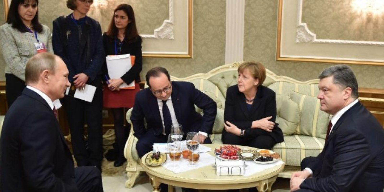 Esta reunión fue encabezada por Angela Merkel (canciller de Alemania) y Francois Hollande (presidente de Francia). Foto:AFP