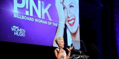 La intérprete se desnudó para una campaña publicitaria de PETA Foto:Getty Images