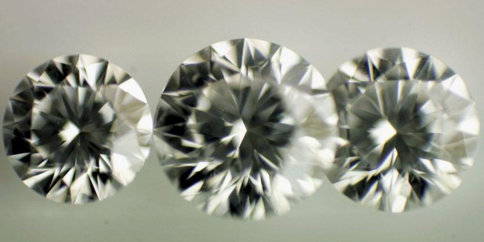 Esta semana trascendió la noticia de un hombre que encontró un diamante de 2.01 quilates en el parque. Foto:Getty