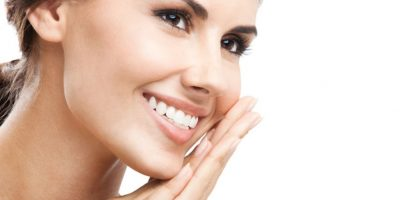 Estos 7 alimentos te ayudarán a blanquear los dientes