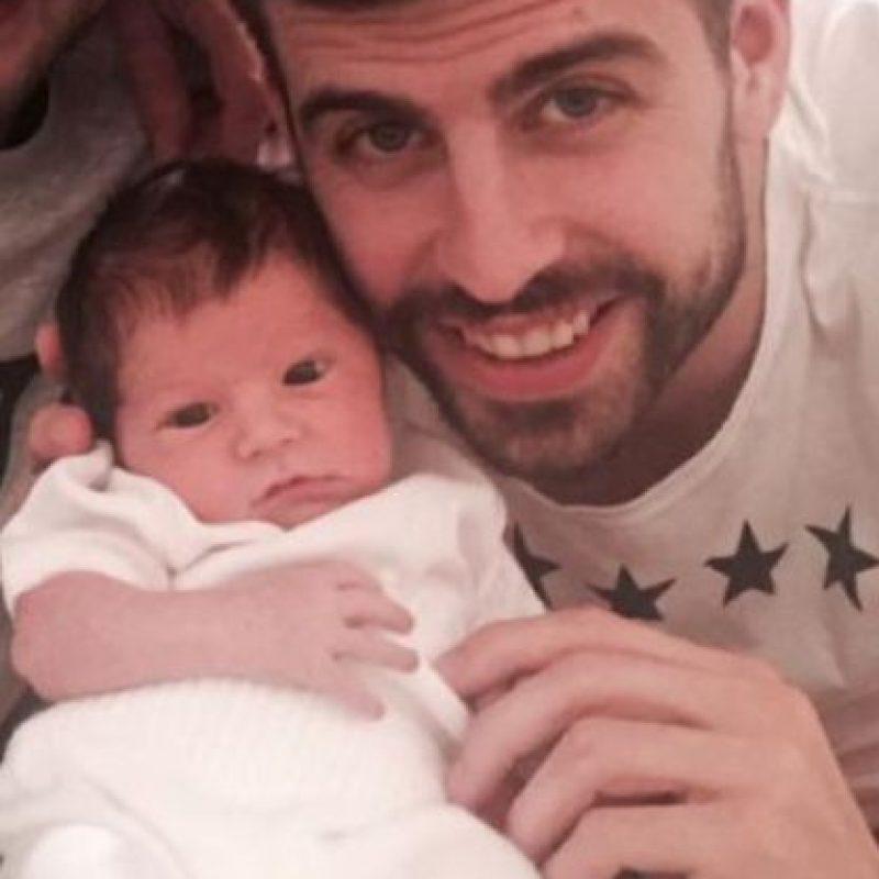 Piqué con su hijo Sasha. Foto:http://www.worldbabyshower.org/es
