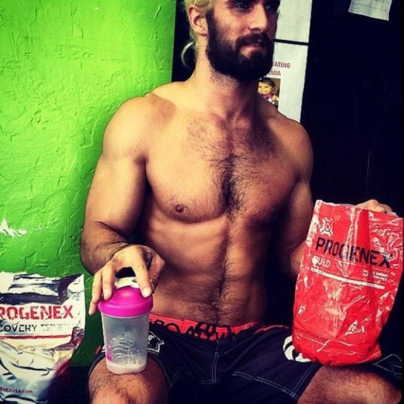 El luchador pidió disculpas en las redes sociales Foto:Instagram: @wwerolllins