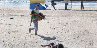 """Segundo lugar, """"Historia en noticias en el momento"""": Fotografía captada por Tyler Hicks, de Estados Unidos, durante el conflicto en la Franja de Gaza Foto:World Press Photo 2015"""