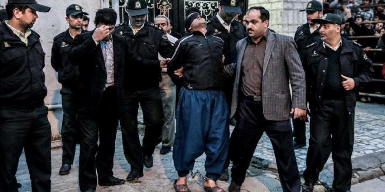 """Tercer lugar, """"Historia en noticias en el momento"""": El momento en que un joven que iba a ser ejecutado recibió el perdón fue captado por Arash Khamooshi, de Irán. Foto:World Press Photo 2015"""
