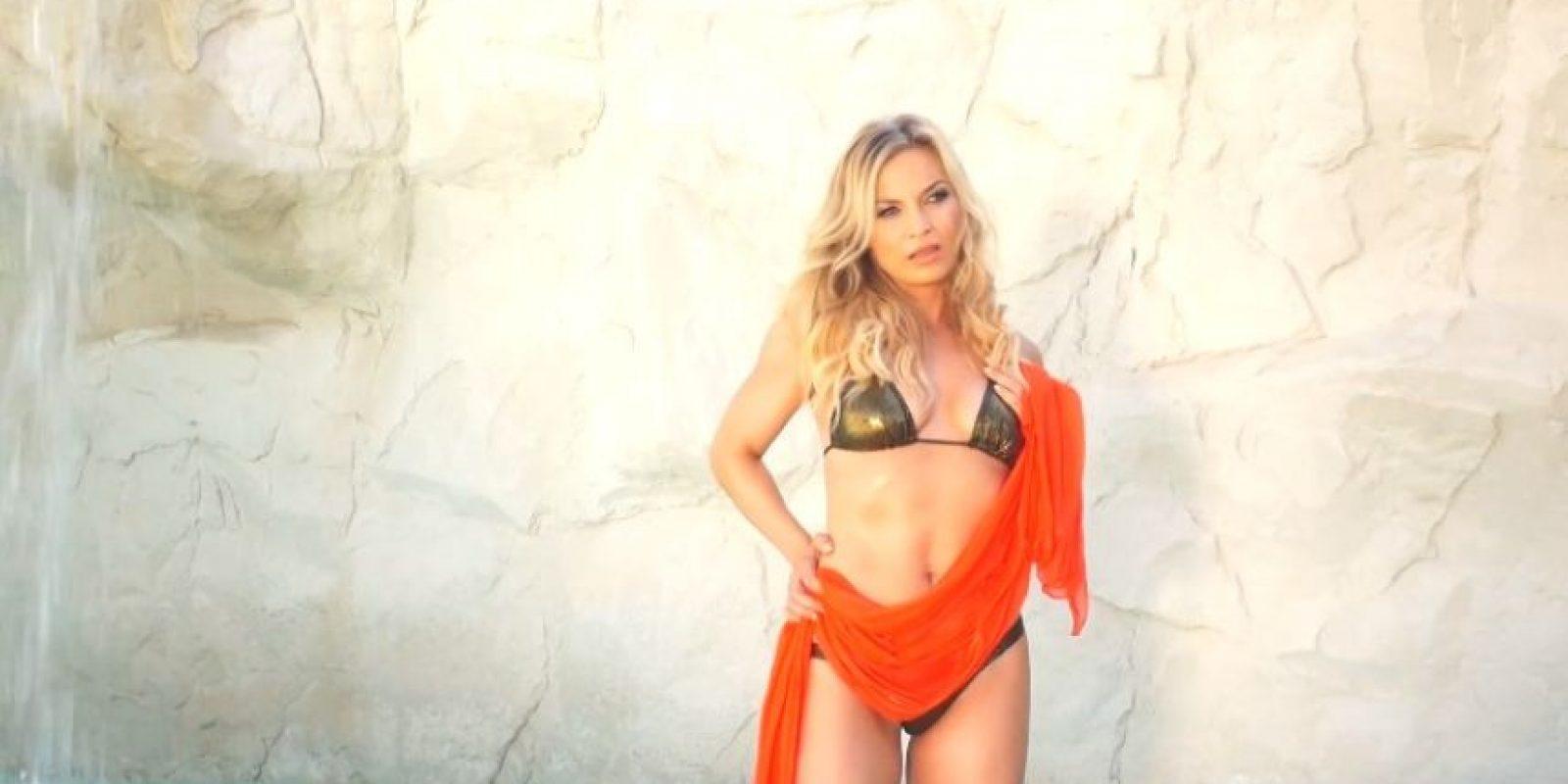 Regina Helmich demostró que a sus 38 años aún mantiene su escultural cuerpo Foto:Playboy
